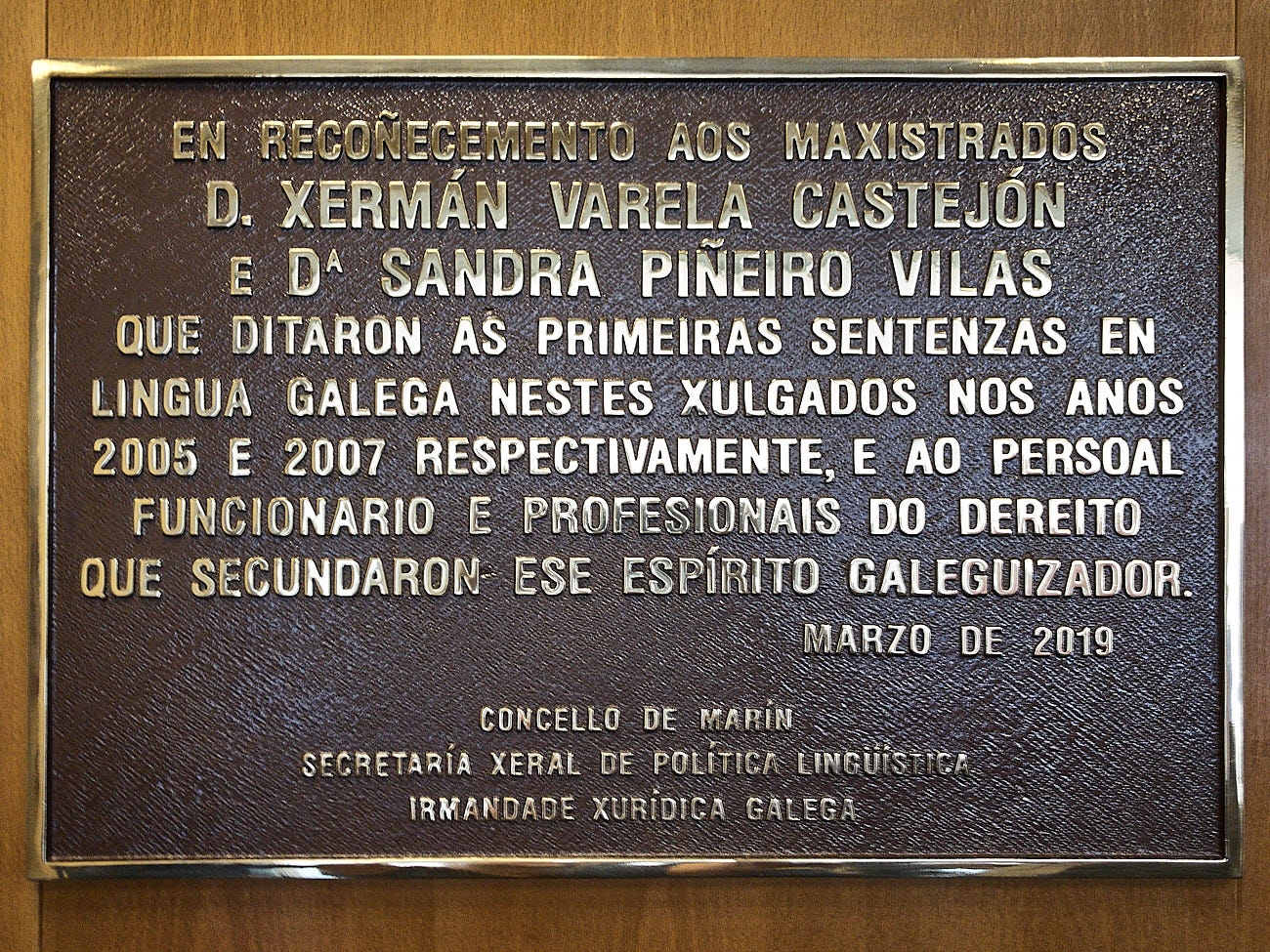 En Marín coa lingua de lei IXUGA