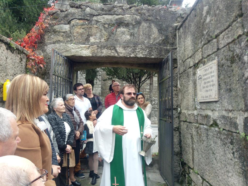 cemiterio do Viso o Día da Restauración da Memoria Lingüística